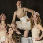 TEATRO: Barbes De Balena, o de qué estàn fetes les cotilles (Barbas de ballena, o de qué están hechos los corsés )